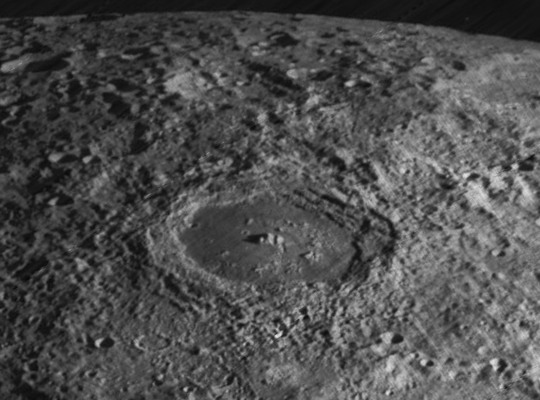 Compton_crater_4140_med