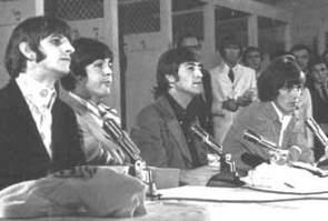 1966.beatles.washington.b